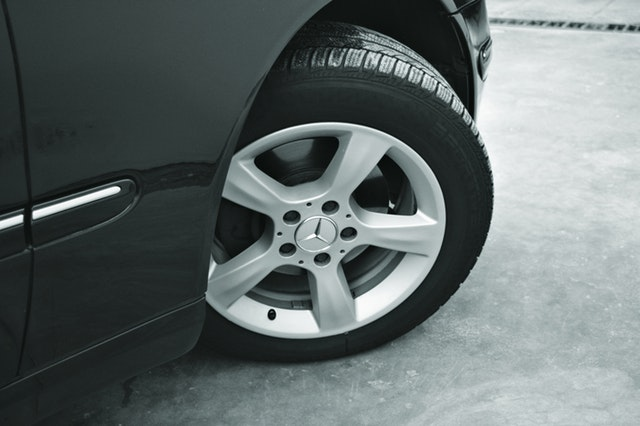 Reasons Your Tires Squeal When Turning | Alexander's Import