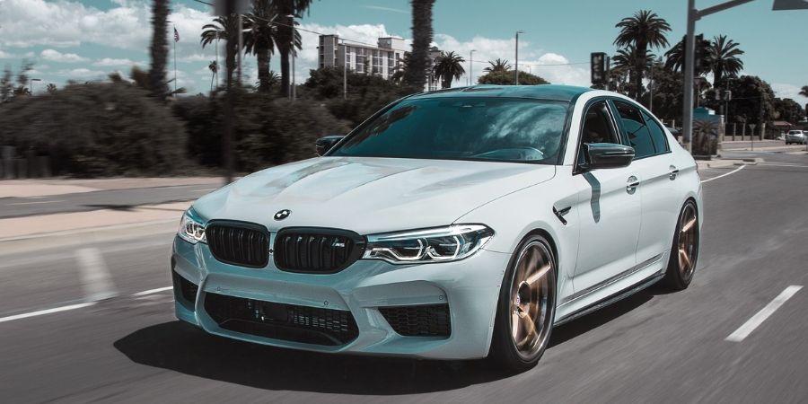 Car Squeaking - white BMW
